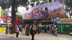 Bandung Zoo Diserbu Ribuan Turis Hari Ini