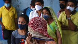 Jumlah kasus COVID-19 di India terus bertambah. Informasi yang salah mengenai virus Corona pun melonjak seiring meningkatnya jumlah kematian akibat COVID-19.