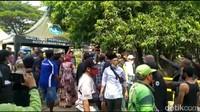 Gempar Penutupan TPU Bikin Peziarah di Jakbar Jebol Pagar