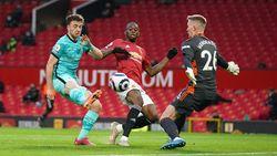 Turun Minum, Liverpool Ungguli Man United 2-1