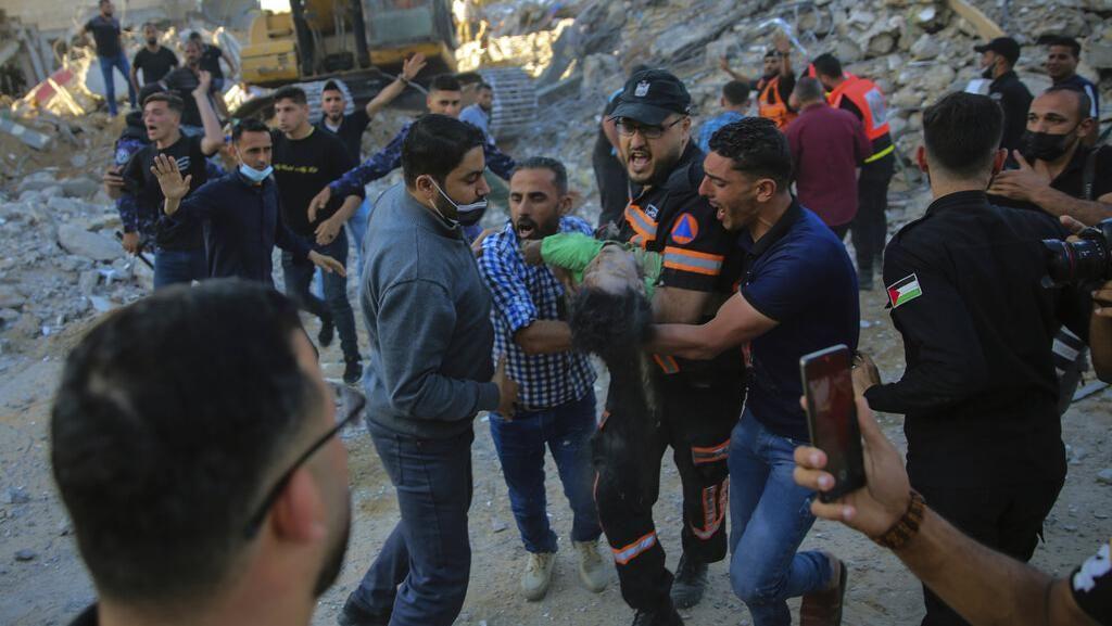 Mesir Kirim 10 Ambulans untuk Angkut Warga Gaza yang Terluka