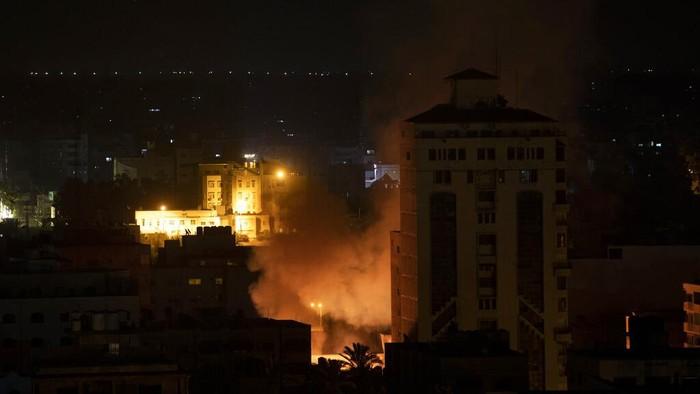 Warga Palestina yang tewas akibat gempuran Israel bertambah lagi. Kini korban warga Palestina yang tewas melebihi 100 orang.