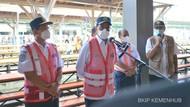 Omelan Menhub Gegara Penumpang KRL Numpuk di Libur Lebaran