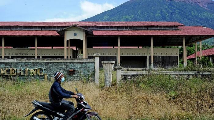 Pembangunan Sub Terminal Agribisnis Kerinci di Jambi diwacanakan sebagai pusat pemasaran hasil pertanian. Namun kondisi terminal agribisnis itu kini tak terawat