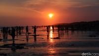 H+1 Lebaran, Ribuan Wisatawan Jejali Kawasan Pantai Parangtritis