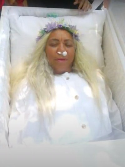 Pemakaman palsu