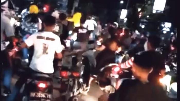 Pengantar jenazah ribut dengan pengendara di Makassar