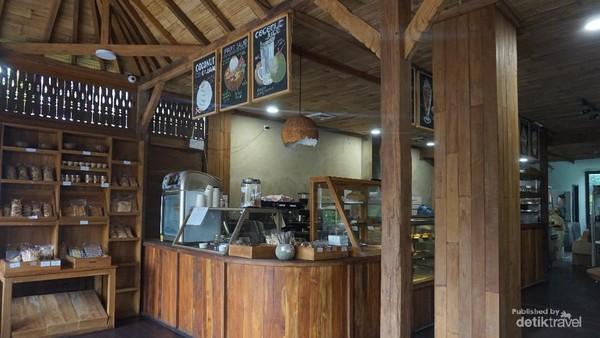 Tukies Coconut Shop Ubud