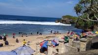 H+1 Lebaran, Belasan Ribu Wisatawan Jejali Pantai Gunungkidul