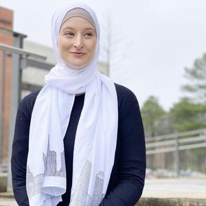 Cerita Bule Cantik Jadi Mualaf Setelah Mencoba Pakai Hijab di World Hijab Day