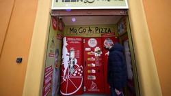 Vending Machine Pizza, Racikannya Enak atau Enggak Ya?