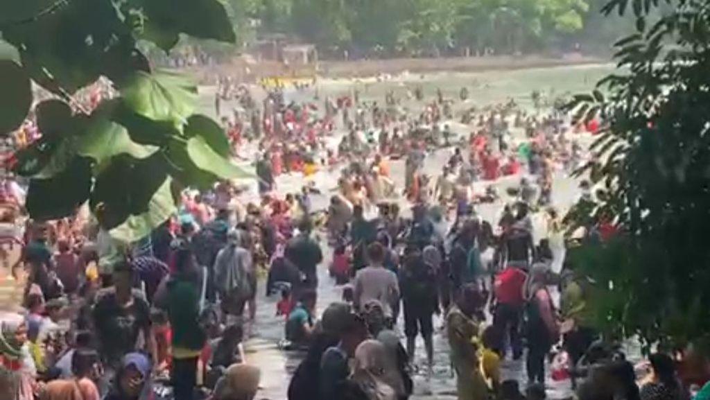 Heboh Wisata Pantai di Pangandaran Banjir Pengunjung