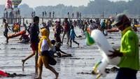 Wisatawan Membludak Saat Libur Lebaran, Sandiaga Ingatkan Hal Ini