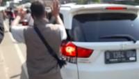 Viral Pemobil Maki-maki Polisi, Kalau Ujungnya Cuma Maaf dan Materai Rp 10.000 Takkan Jera