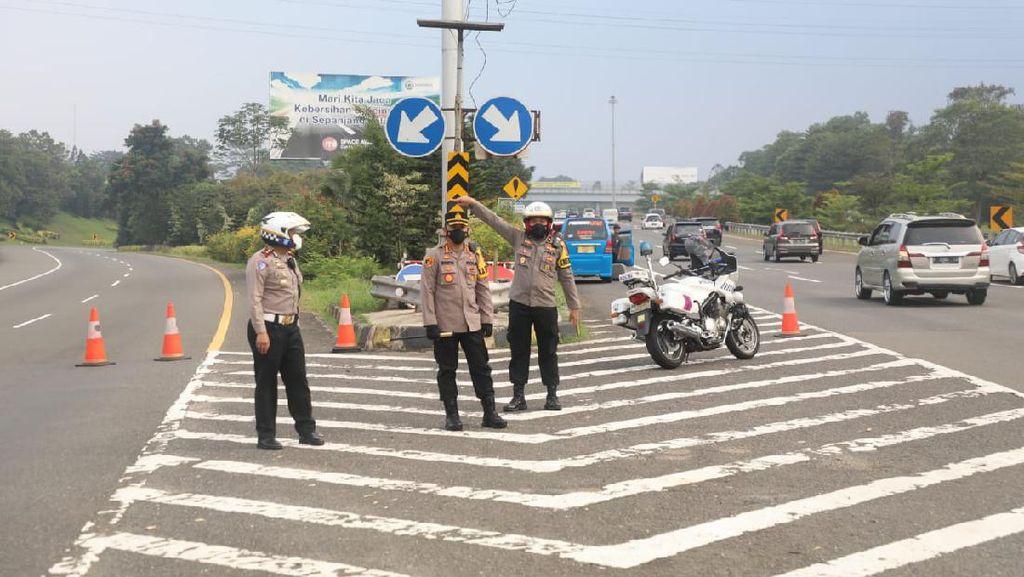 Gerbang Tol Branangsiang Sempat Ditutup , Kendaraan Dialihkan ke GT Summarecon