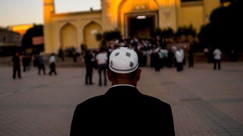 Ratusan ulama Uighur China diciduk dalam operasi di Xinjiang, jadi imam salat Jumat, didakwa ekstremisme