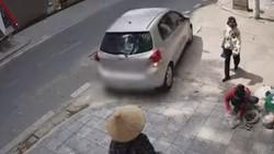 Aduh! Salah Injak Pedal Mobil Ini Meluncur Kencang Mundur ke Belakang