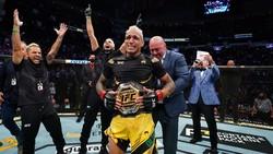 UFC 262: Charles Oliveira Sabet Gelar yang Ditinggalkan Khabib