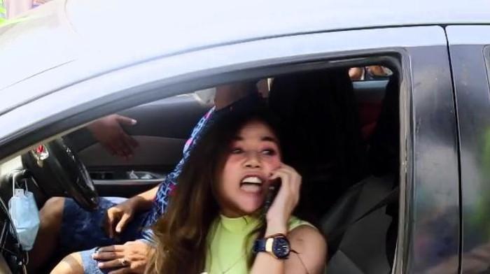 Hendak ke Anyer, Wanita maki petugas saat diminta putar balik (Istimewa)