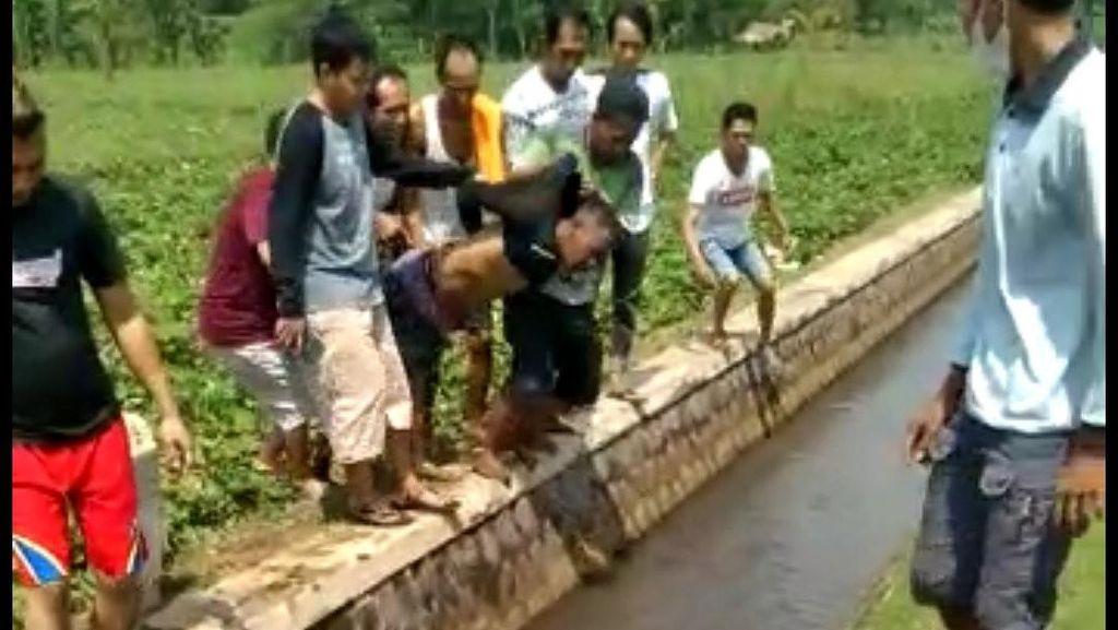 Heboh Video Maling Bonyok Dihajar Massa di Kuningan
