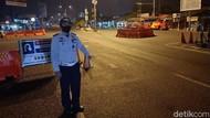 Cerita Petugas Penyekatan di Karawang yang Rela Tak Mudik Demi Tugas