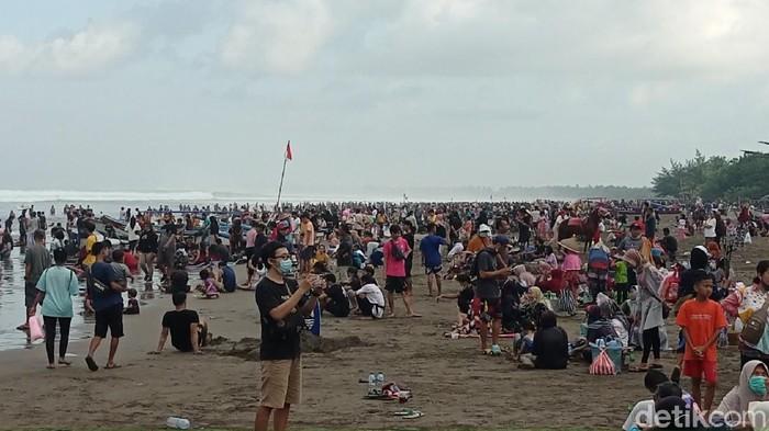 Pantai Pangandaran H+3 lebaran