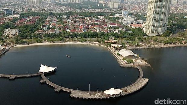 Pantauan tempat wisata Ancol, Jakarta Utara (Jakut) via udara dengan memakai Helikopter Bell 429, Minggu (16/5/2021)