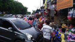 Pandemi Menyerang, Omzet Harian Pedagang Pasar Gembron Turun Rp 50 Juta