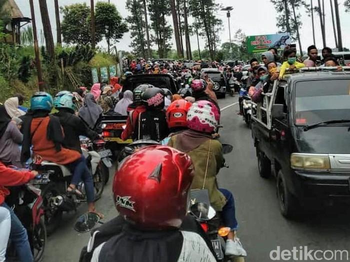 Pengunjung objek wisata di Purbalingga membeludak, Minggu (16/5/2021).