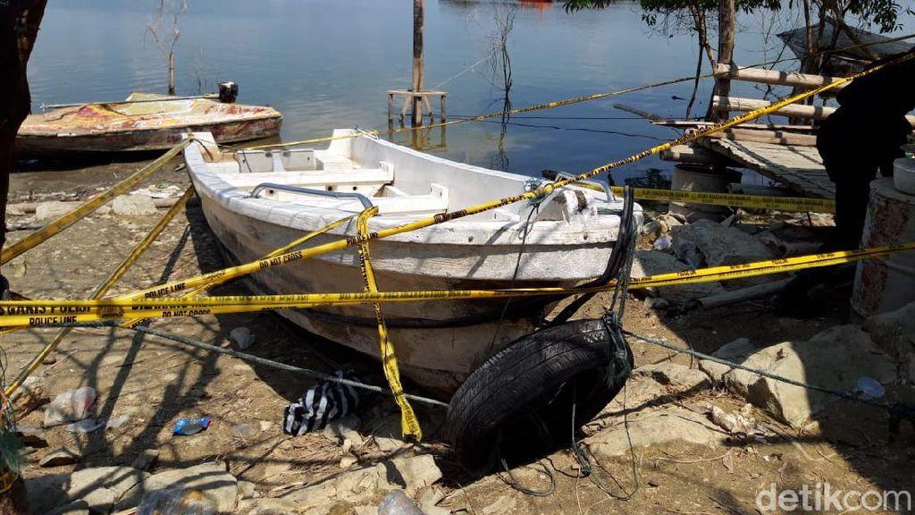 Penampakan Perahu Pengangkut 20 Orang yang Terbalik di Waduk Kedungombo
