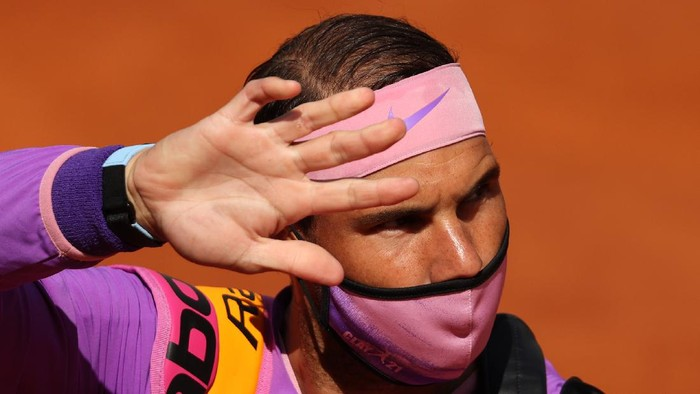 ROME, ITALY - MAY 15: Rafael Nadal of Spain waves to the crowd as he walks out on to the court before his semi-final match with Reilly Opelka of USA on Day Eight of the Internazionali BNL DItalia 2021 at Foro Italico on May 15, 2021 in Rome, Italy. (Photo by Clive Brunskill/Getty Images)