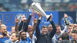 Video: Steven Gerrard & Invincible Rangers Musim Ini
