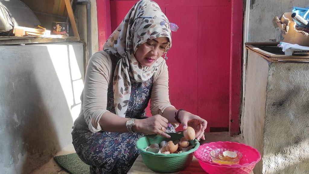 Polisi Kediri Selidiki Temuan Telur Ayam yang Diduga Palsu