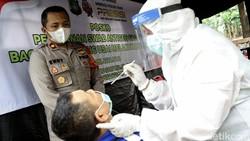 Seluruh Polsek di wilayah Polda Metro Jaya sediakan layanan antigen gratis bagi pemudik kembali ke Jakarta. Layanan itu disediakan sebagai upaya cegah COVID-19.