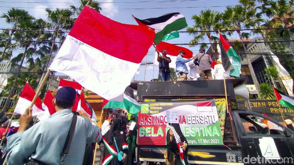 Aksi Bela Palestina Menggema di Surabaya