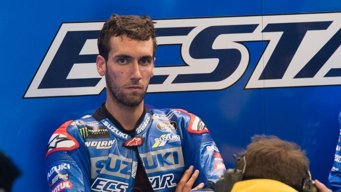 LE MANS, FRANCE - MAY 14: Alex Rins of Spain and Team Suzuki ECSTAR looks on in box during the MotoGP of France - Practice at  on May 14, 2021 in Le Mans, France. (Photo by Mirco Lazzari gp/Getty Images)