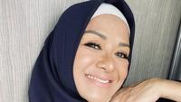 10 Gaya Betharia Sonata Kini Pakai Hijab karena Hidayah Ramadan