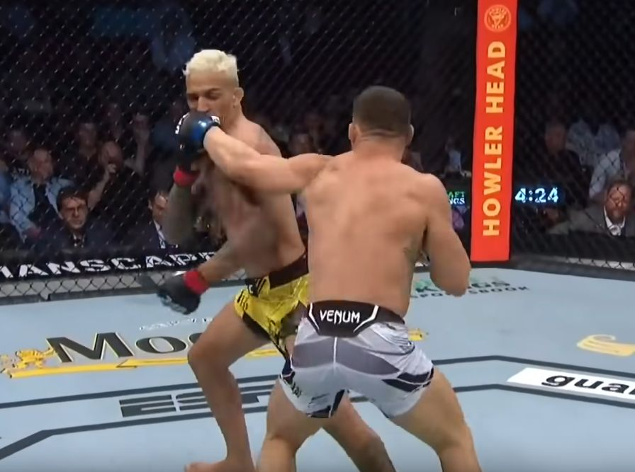 Charles Oliveira vs Michael Chandler