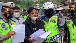 Epy Kusnandar Dicegat, Hadapi Polisi dengan Senyuman