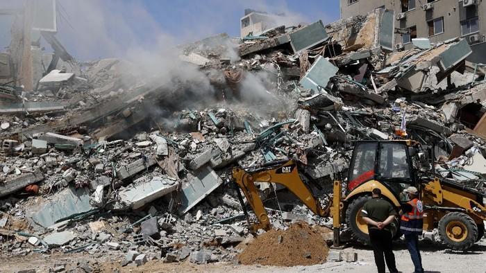 Serangan udara Israel di Jalur Gaza pada Minggu (16/5/2021), menghancurkan beberapa rumah dan menewaskan puluhan warga Palestina di Jalur Gaza. Ada 42 orang tewas, termasuk 10 anak-anak.