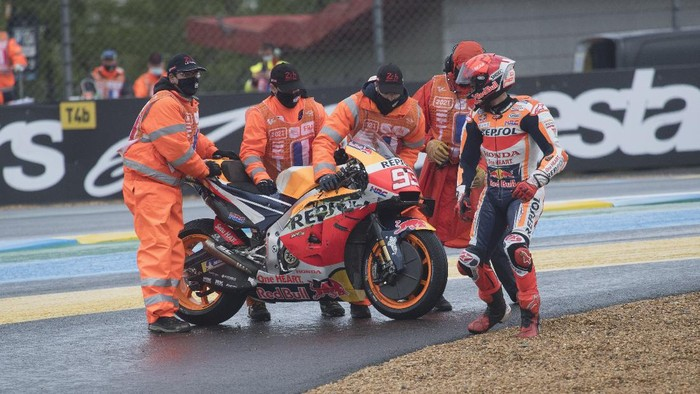 LE MANS, FRANCE - MAY 16: Marc Marquez of Spain and Repsol Honda Team crashed out during the wurm-up before the MotoGP race during the MotoGP of France - Race at  on May 16, 2021 in Le Mans, France. (Photo by Mirco Lazzari gp/Getty Images)