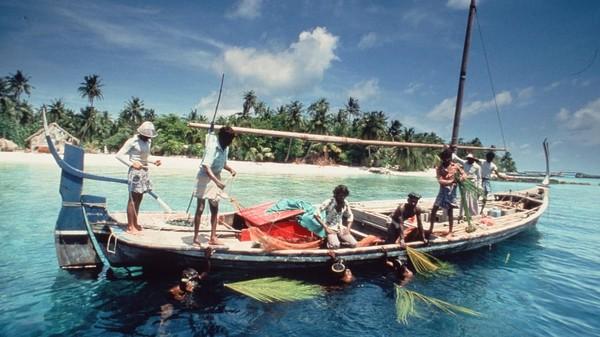 Tak banyak kegiatan wisata yang dapat dilakukan di Maldives. Turis umumnya hanya akan pergi memancing ikan atau berjemur. Foto: Kurumba Maldives/CNN