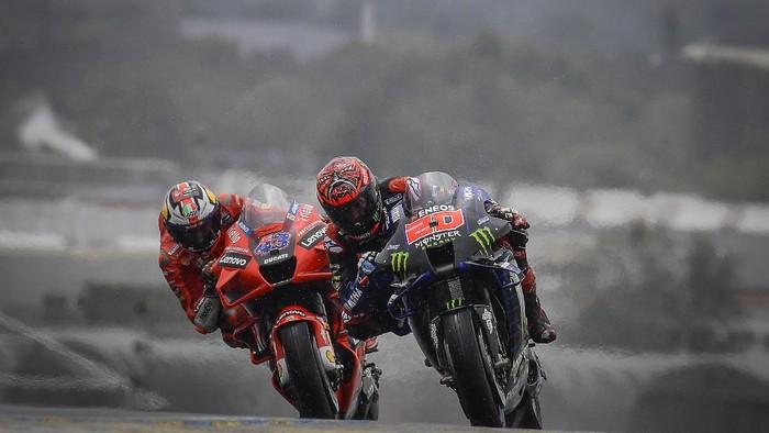 Jack Miller dan Fabio Quartararo di MotoGP Prancis 2021.