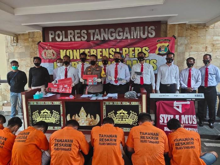Polres Tanggamus menetapkan 8 orang sebagai tersangka terkait penemuan narkoba di acara halalbihalal picu keramaian (dok Polres Tanggamus)