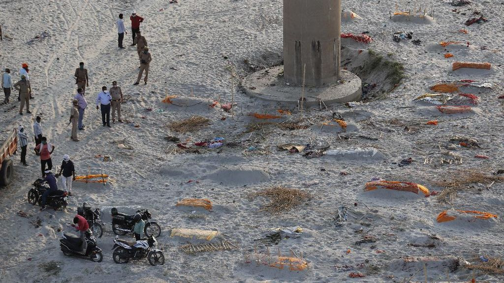 Klaim India Bila Mayat di Tepi Sungai Gangga Tak Terkait Corona