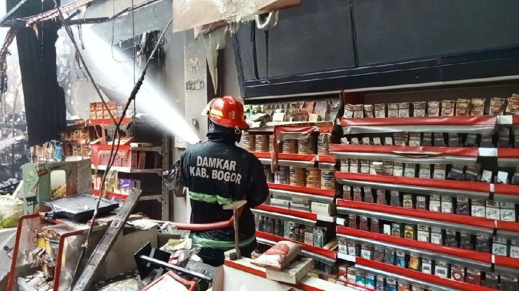 Diduga Korsleting Listrik, Minimarket di Bogor Terbakar