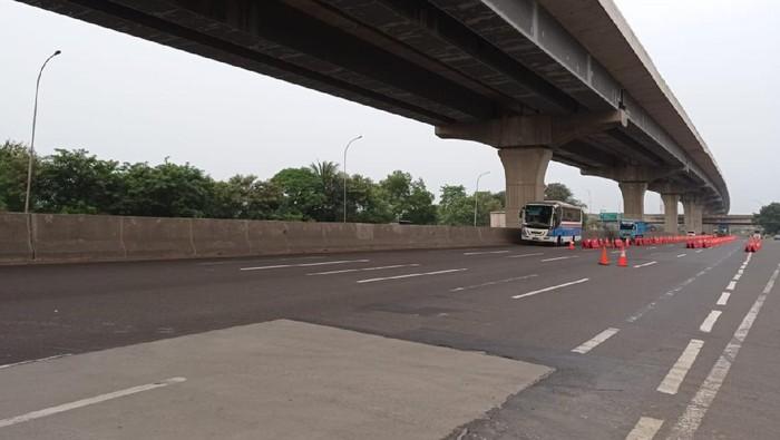 Tol Jakarta Cikampek Km 34B Lengang Sore Ini