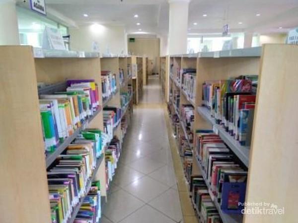 Ada ribuan judul koleksi buku yang tersimpan di Perpustakaan Proklamator Bung Hatta