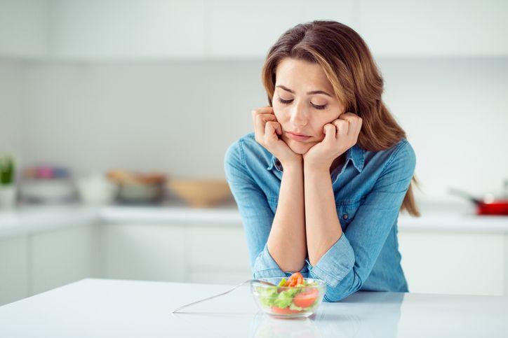 Makan Terlalu Banyak? Ini 5 Cara Alami untuk Bantu Detoks Tubuh