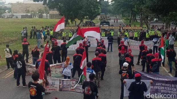 demo palestina di surabaya